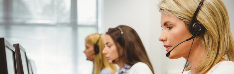 Inbound call center with agents